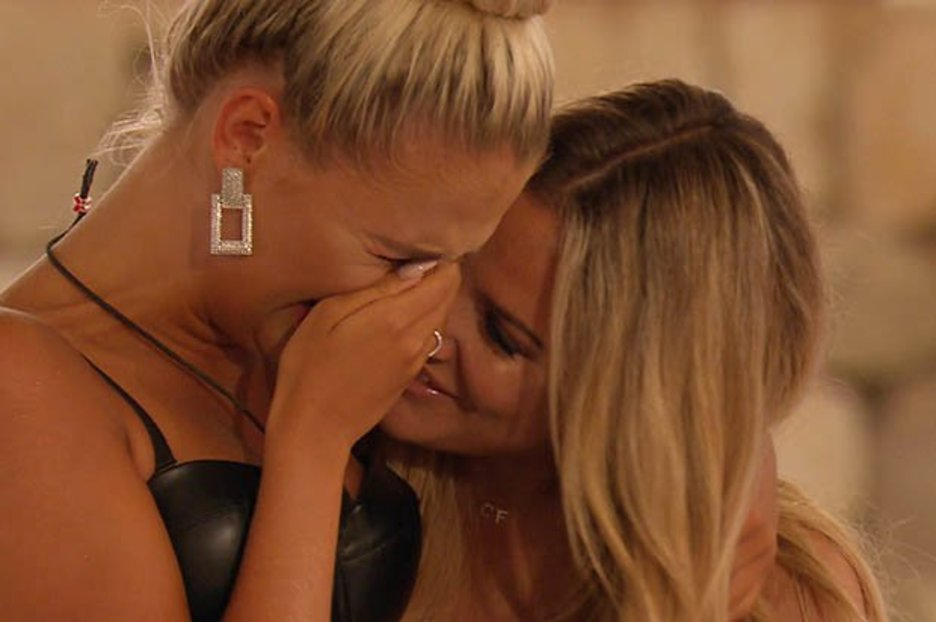 Caroline Flack breaks down following Molly-Mae and Tommy's emotional reunion