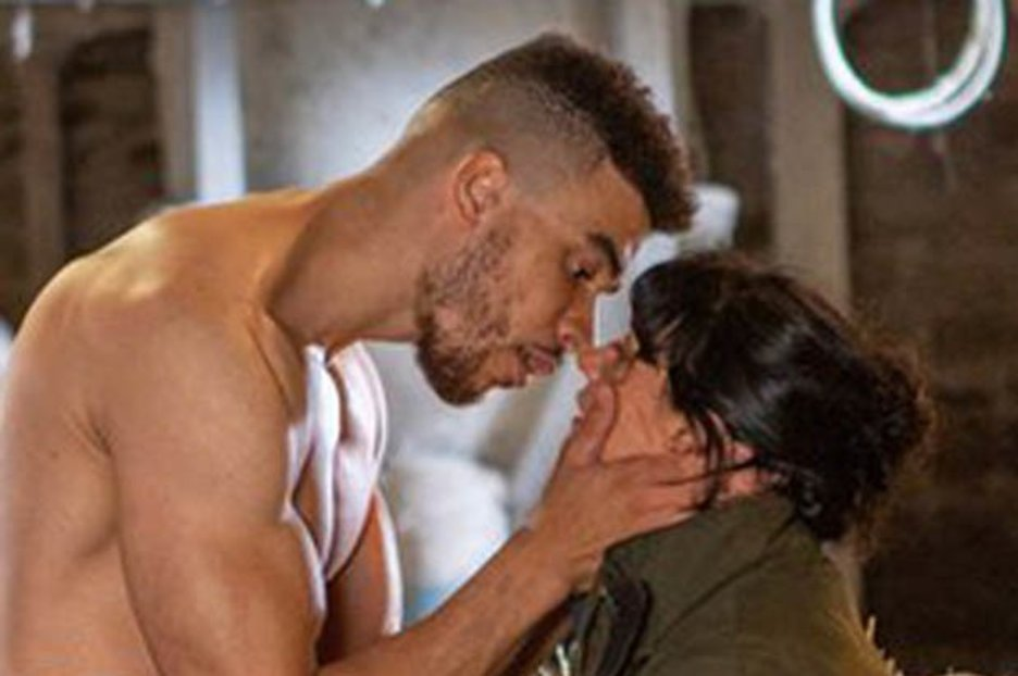 Emmerdale's Moira and Nate to hook up next week in steamy scenes