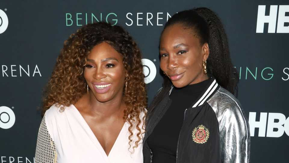 Serena Williams Trolled Venus for What Was in Her Fridge & It Was #SisterGoals