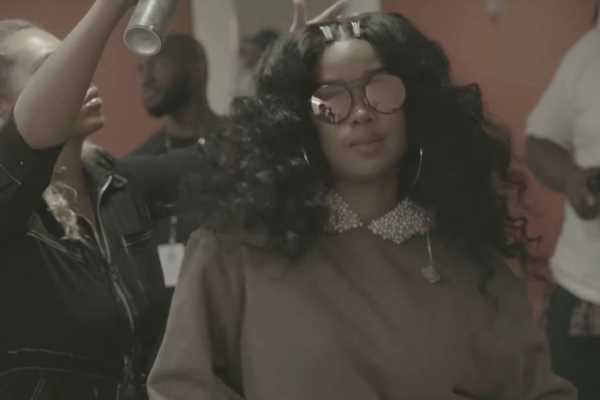 See H.E.R. Celebrate Her Whirlwind Year in '21' Video