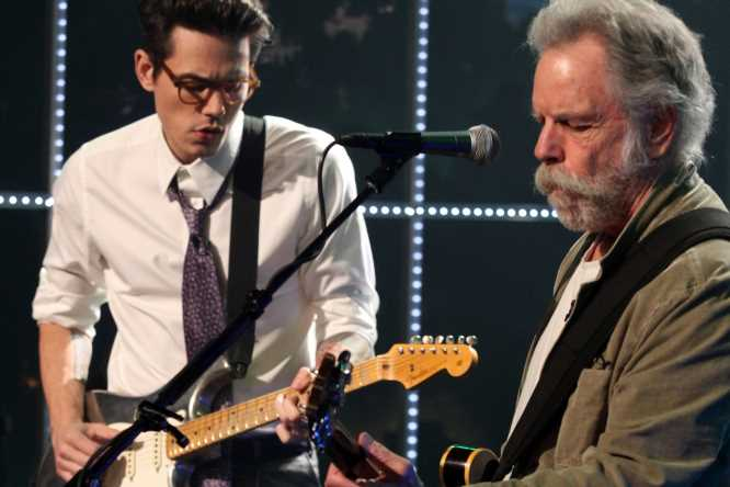 Flashback: John Mayer Plays With Bob Weir for First Time, Giving Rise to Dead & Co.