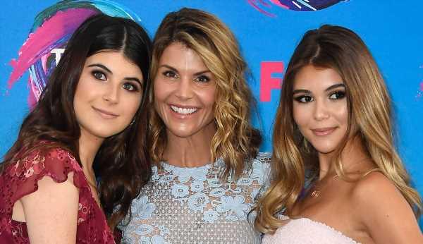 Lori Loughlin's Daughters Break Their Social Media Silence for This Reason