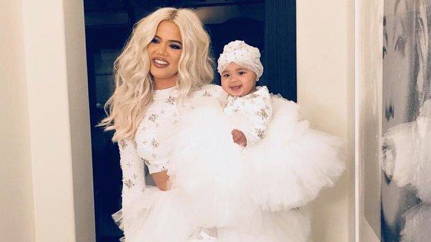 Khloé Kardashian's Daughter True PracticesHer Signature Supermodel Poseon Instagram