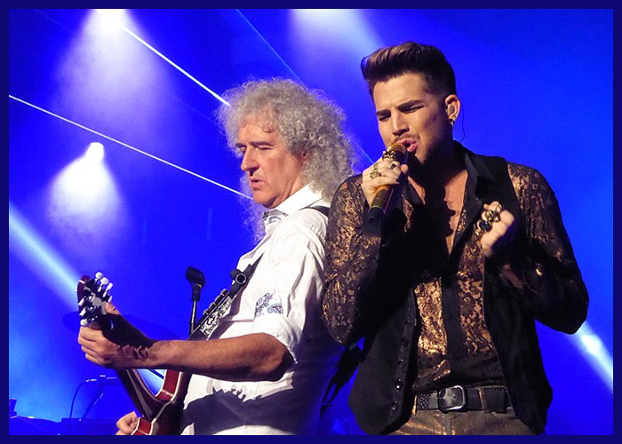 Queen And Adam Lambert Joined By Dallas Cowboy Cheerleaders