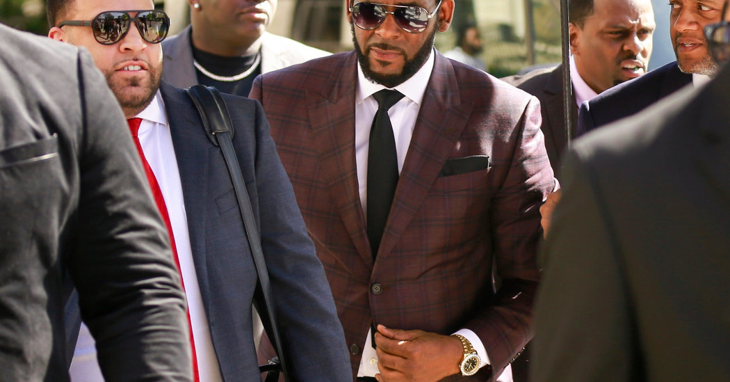 In Turnabout, a Key Witness Is Cooperating in R. Kelly Case