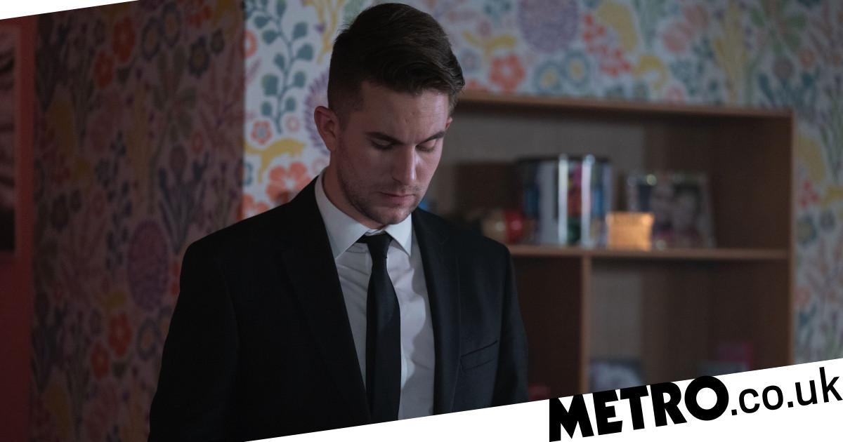 Ben asks Callum out in EastEnders