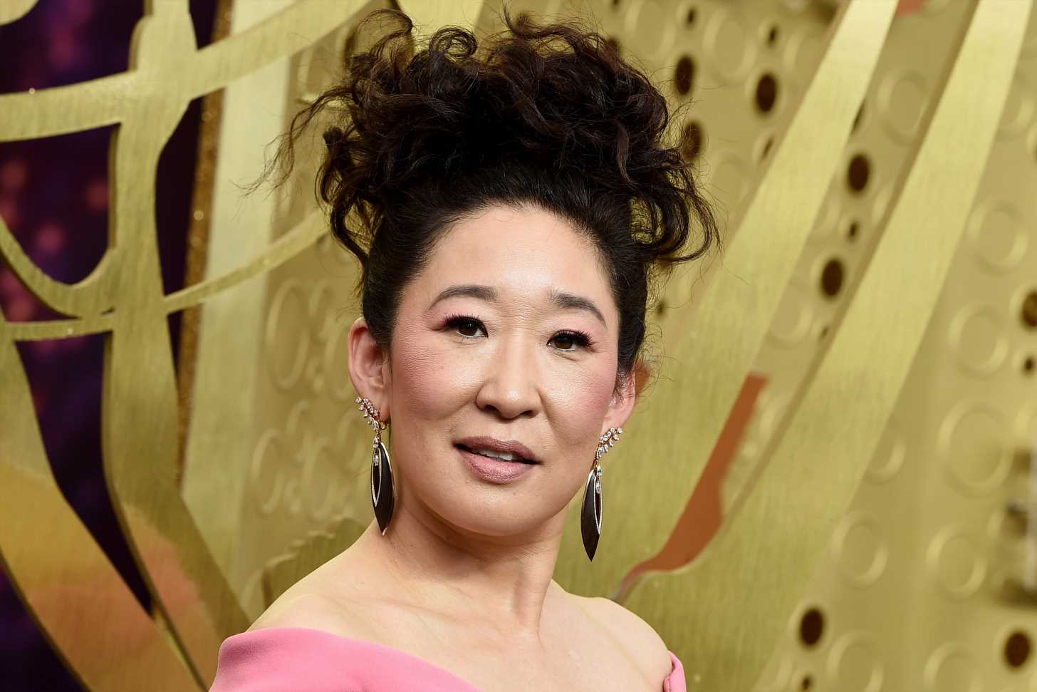 Did Sandra Oh win at the 2019 Emmys, will she be in Killing Eve season 3 and is she married?