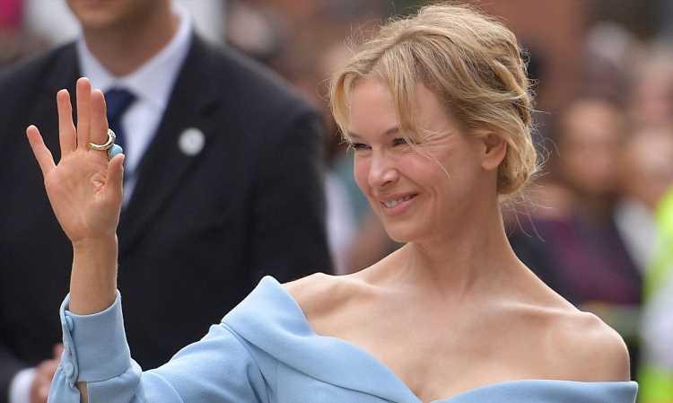 Renee Zellweger Looks Stunning at 'Judy' TIFF Premiere; Oscars Season is in Full Swing!