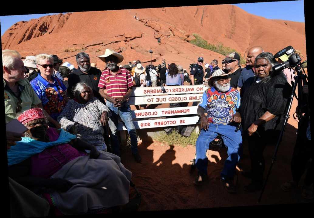 Tourists clamor hours before Uluru-Kata rock park closes for good