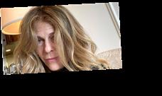 Rita Wilson Panics When Golden Globes Makeup Artist Is Late. Celebs Sympathize.