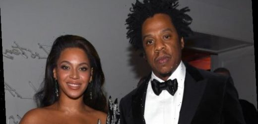 Beyoncé Snuck into the Golden Globes Wearing the Least Subtle Dress Imaginable