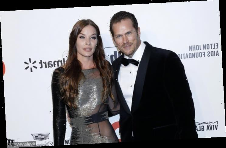 'Sex and the City' Actor Jason Lewis Details His Sunset Proposal to Fiancee Liz Godwin