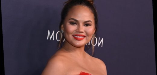 Chrissy Teigen's Response To Accusations She Stole Recipes Was Epic