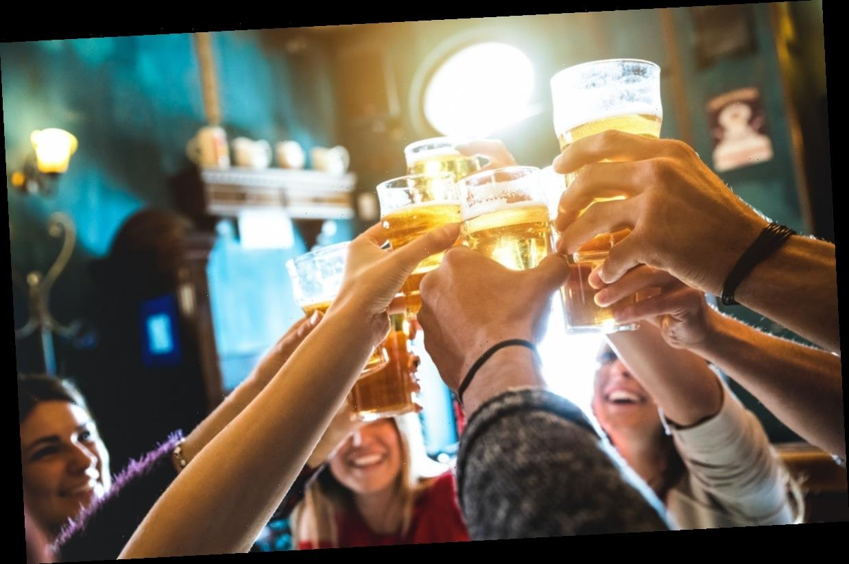 3 Doctors Explain Why It's Still Not Safe To Go To Bars & Restaurants Right Now