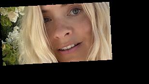 Holly Willoughby fans gush over her longer locks as she shares stunning fresh-faced selfie