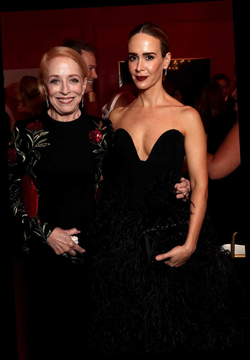 """Sarah Paulson Said Critiques of Her and Holland Taylor's Relationship Come Down to """"Ageist Thinking"""""""