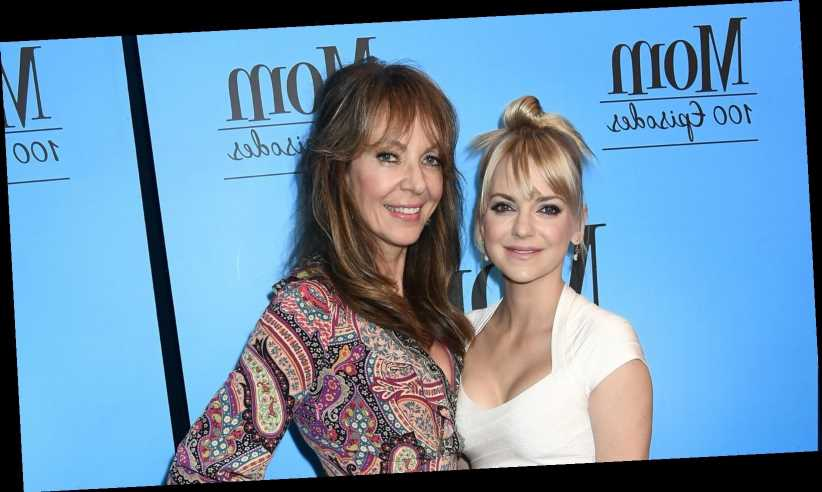 Here's what Allison Janney had to say about Anna Faris leaving Mom