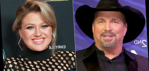 The Garth Brooks song that helped Kelly Clarkson after her divorce