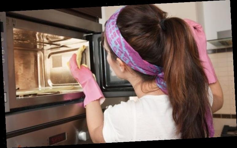 Microwave cleaning hack: The simple and stress-free way to clean your microwave