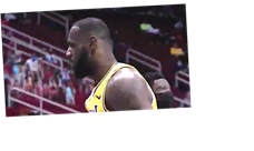 LeBron James' No-Look 3-Pointer À La Steph Curry Is Worth Several Looks