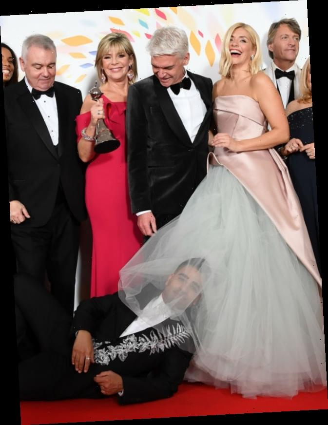 Eamonn Holmes 'furiously yanked' NTA out of Phillip Schofield's hands