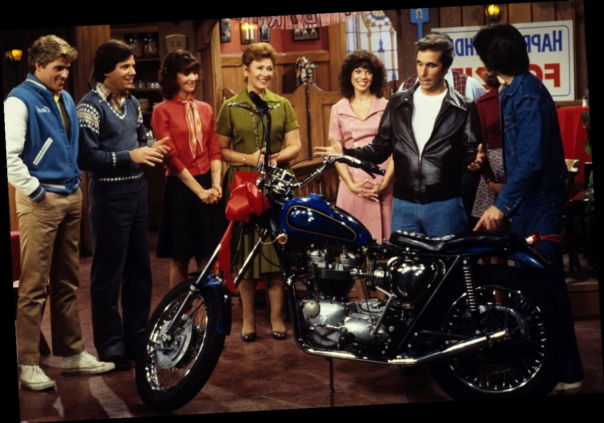 'Happy Days': Here's Why The Fonz Was Almost Never Seen Without His Motorcycle in the First Season