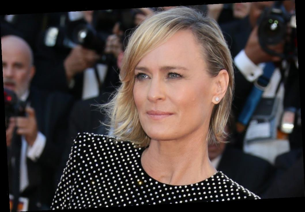 'Forrest Gump': Robin Wright Found Filming the Movie's Love Scene To Be 'Uncomfortable'
