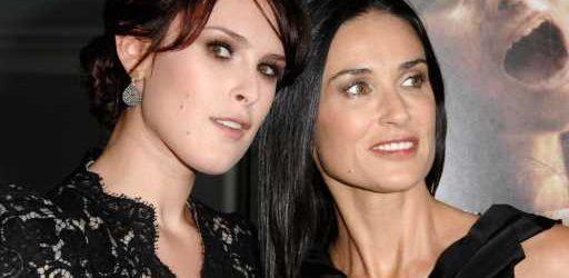Demi Moore's Daughter Rumer Willis Looks Just Like Mom in This Rosy Selfie