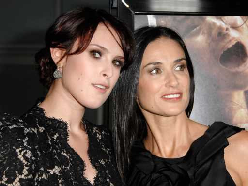 Demi Moore's Daughter Rumer Willis Looks Just Like Mom in This Rosy Selfie
