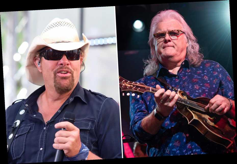 Trump's Impeachment Reaction: Giving Toby Keith and Ricky Skaggs Medals