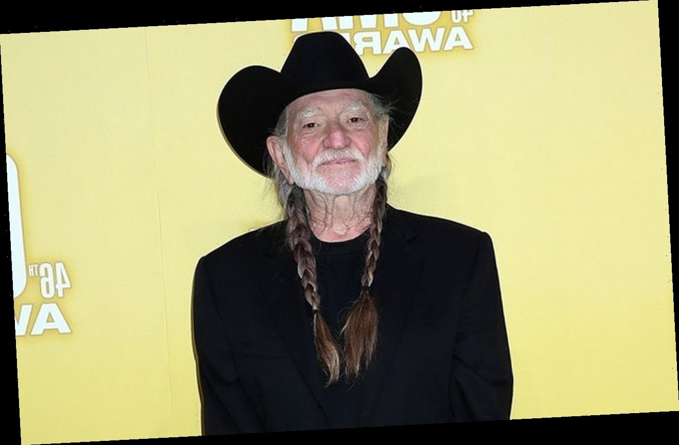 Willie Nelson Scolded for Waiting 'So Long' to Get Covid-19 Vaccine
