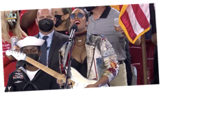 "H.E.R. Just Made ""America the Beautiful"" All Her Own at the Super Bowl"