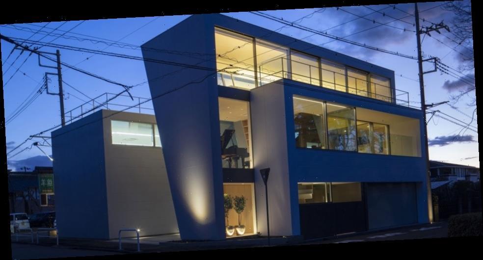 "Aisaka Architects' Atelier's ""House in Tsukuba"" Maximizes Space in a Futuristic Shape"