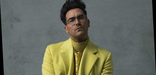 Dan Levy Rocks Chic Chartreuse Suit for 2021 Golden Globes