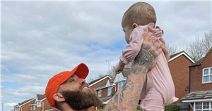 Charlotte Dawson and Mrs Hinch lead stars in a nationwide doorstep clap for Ashley Cain's daughter Azaylia
