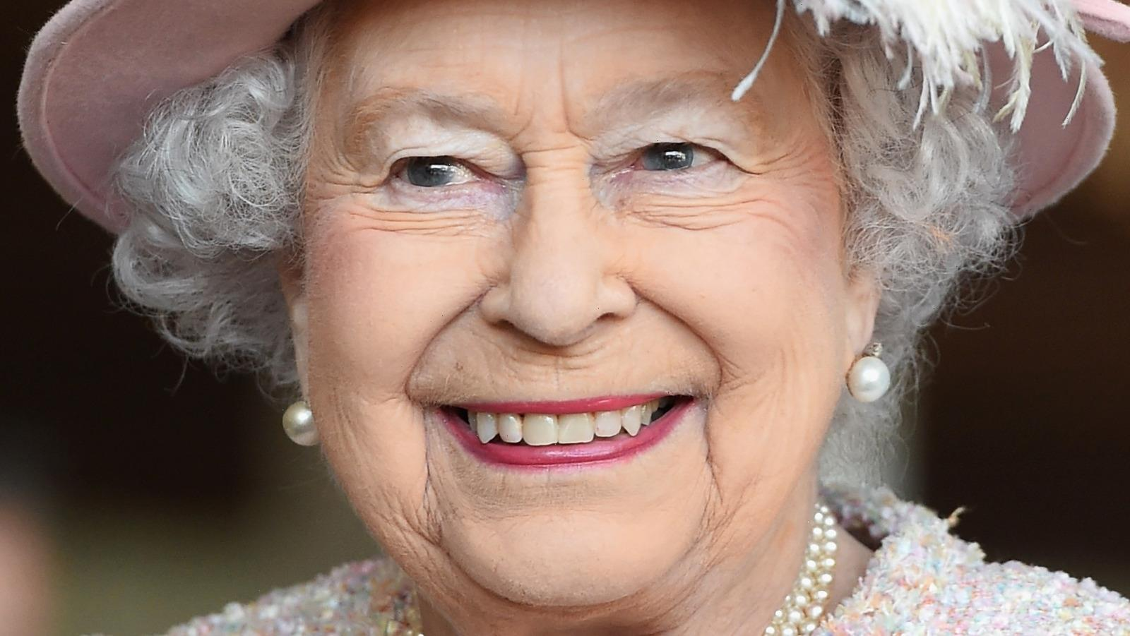 Inside Queen Elizabeth's First Official Statement Without Prince Philip