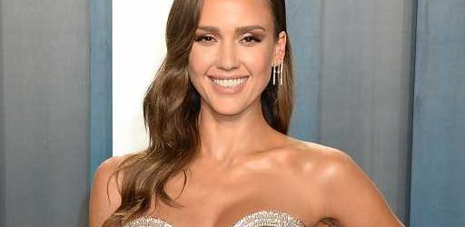 Jessica Alba Is Absolutely Stunning in This Beaming Family Photo With Her Lookalike Kids