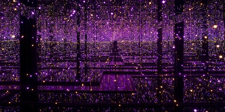 "A Look Inside Tate Modern's ""Yayoi Kusama: Infinity Mirror Rooms"" Exhibition"