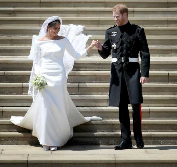 Let's look at wedding photos on the Duke & Duchess of Sussex's third anniversary