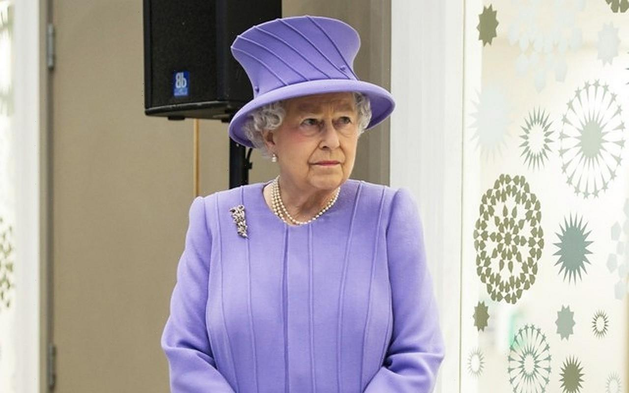 Queen Elizabeth Mourning the Death of Her New Puppy