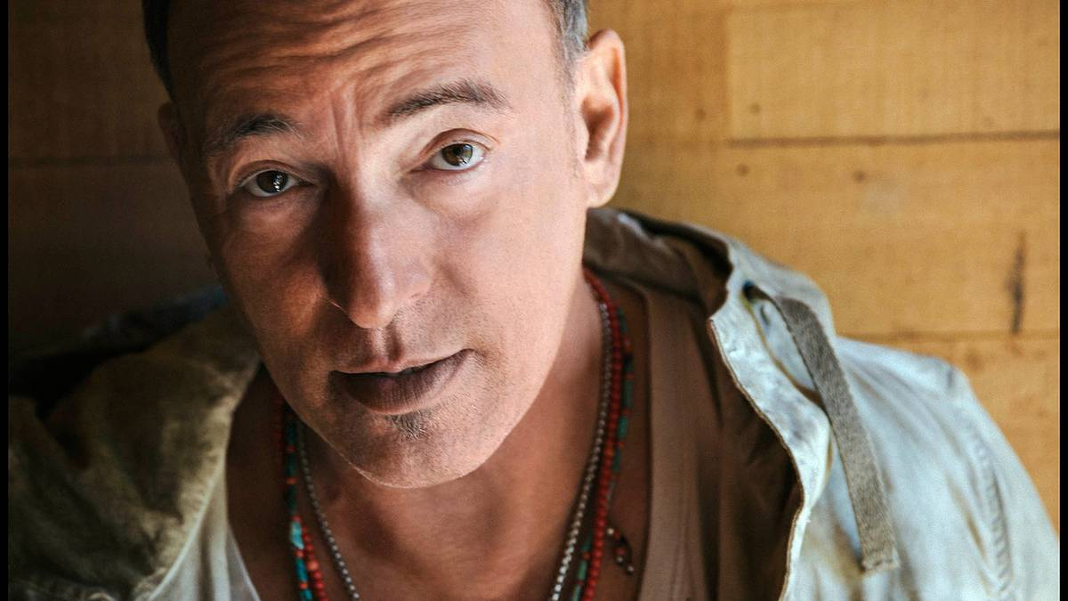 Bruce Springsteen reflects on arrest for first time