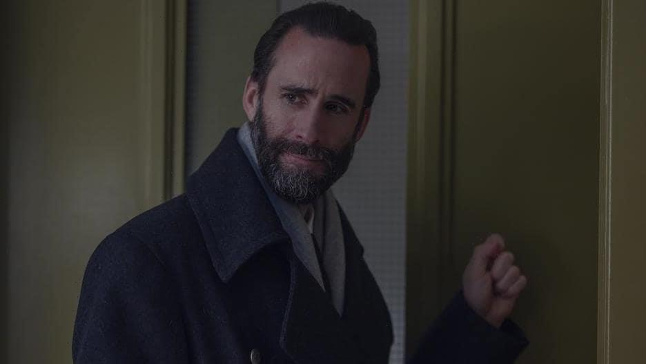 'Handmaid's Tale': Joseph Fiennes on June's 'Big Bite-Back' and Fred's Fate