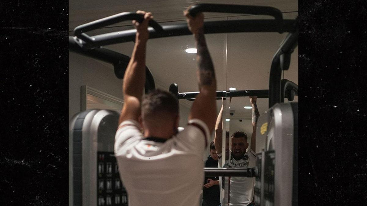 Conor McGregor Back In Gym 3 Weeks After Gnarly Leg Surgery