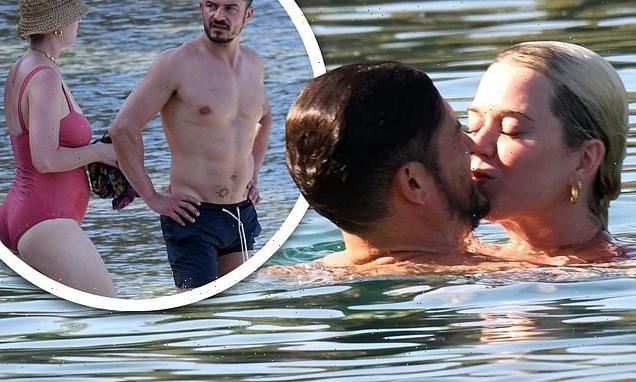 Katy Perry and Orlando Bloom share a kiss during holiday in Turkey