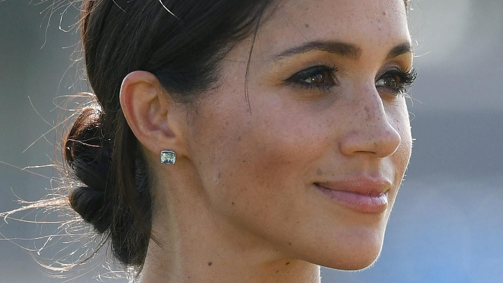 Handwriting Expert Says Meghan Markles Signature Reveals Surprising Things About Her