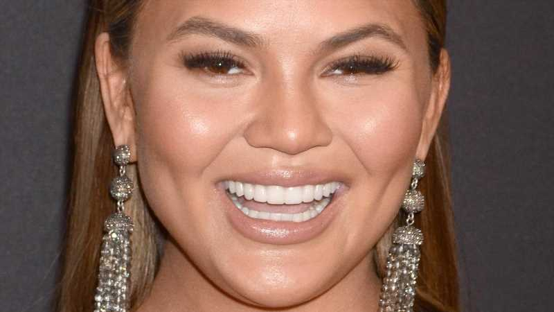 Heres What Chrissy Teigen Looks Like Without Makeup