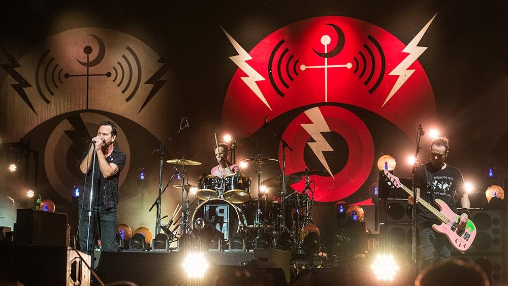 Pearl Jam's Secret to 30 Years of Success? Follow the Grateful Dead Playbook