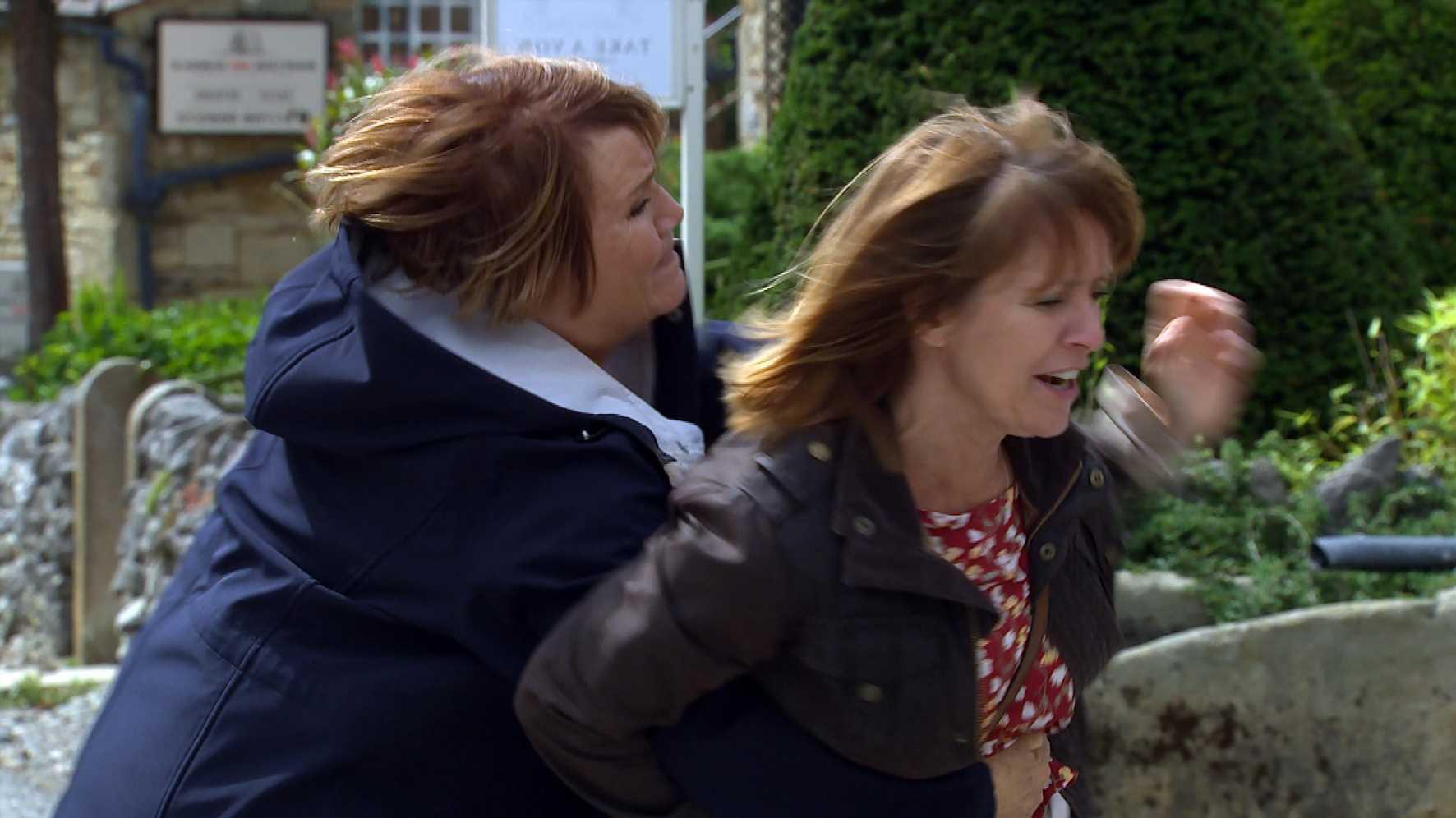 Emmerdale spoilers: Rhona Goskirk in violent fight with Brenda Walker over bully Cathy