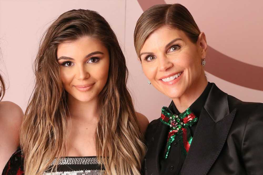 Olivia Jade says Lori Loughlin is in total mom mode over DWTS