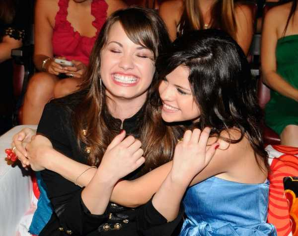 Selena Gomez Insists Demi Lovato Went to 'Every Single Taping' of 'Wizards of Waverly Place' Season 1